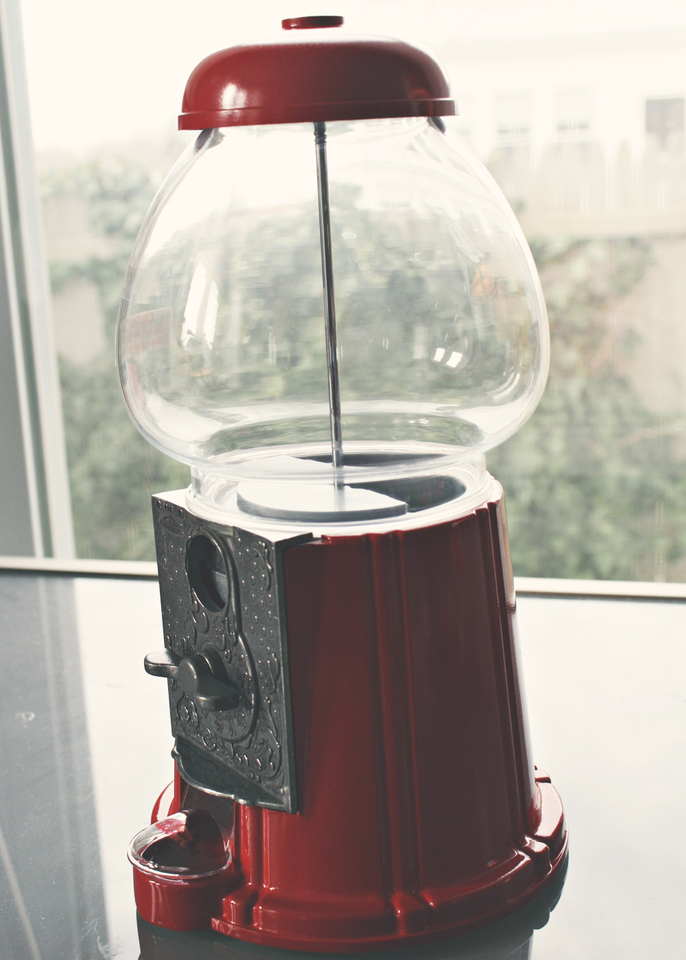 who invented the gumball machine