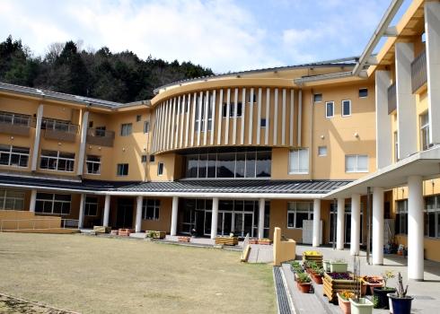 IMG_1405_becca's school